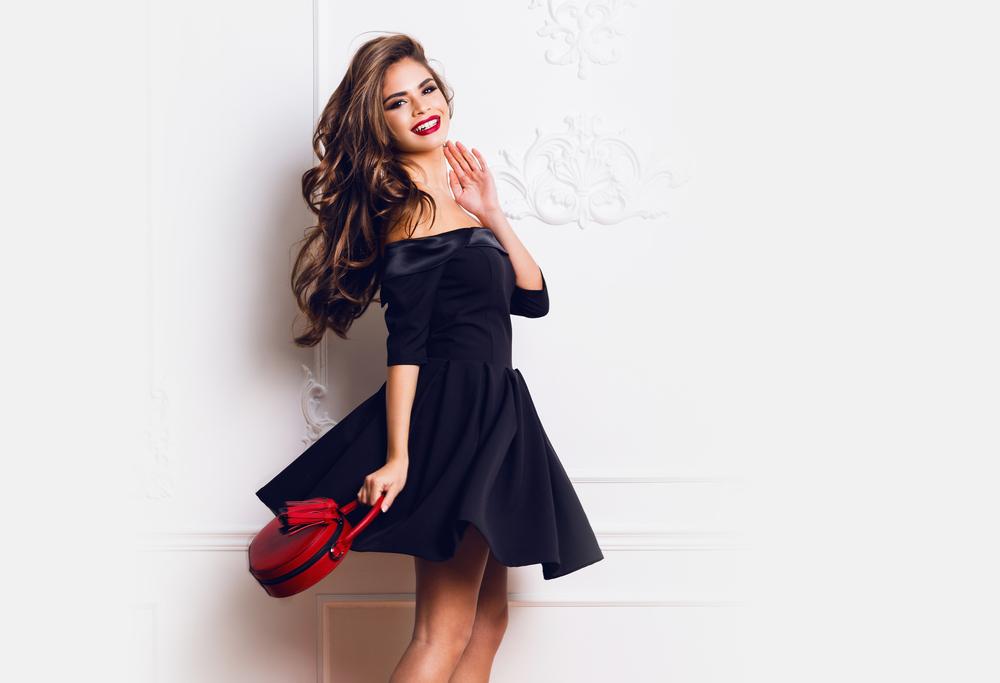 Perfectioneaza-ti stilul cu ajutorul colectiilor de rochii Clessidra!